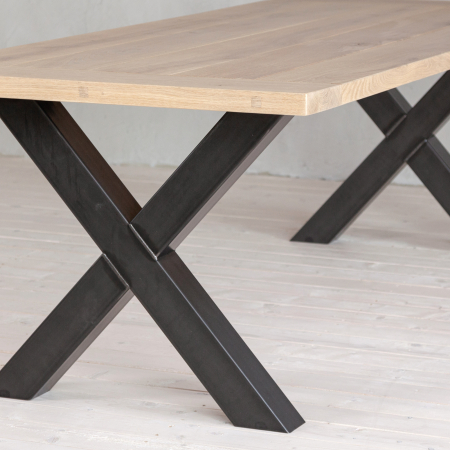 Eiche Tisch - Gestell X aus Stahl - schwarz